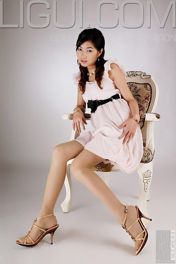 [Ligui丽柜]2009.06.02 美女的高跟白色小挎包 Model 丝丝[30P/4.08M]